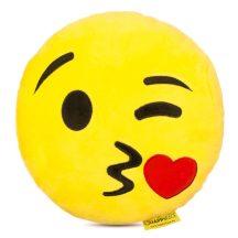 Csókos Emoji Párna 32 cm